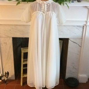 Vintage Ivory Sheer Double Layer Peignoir Robe